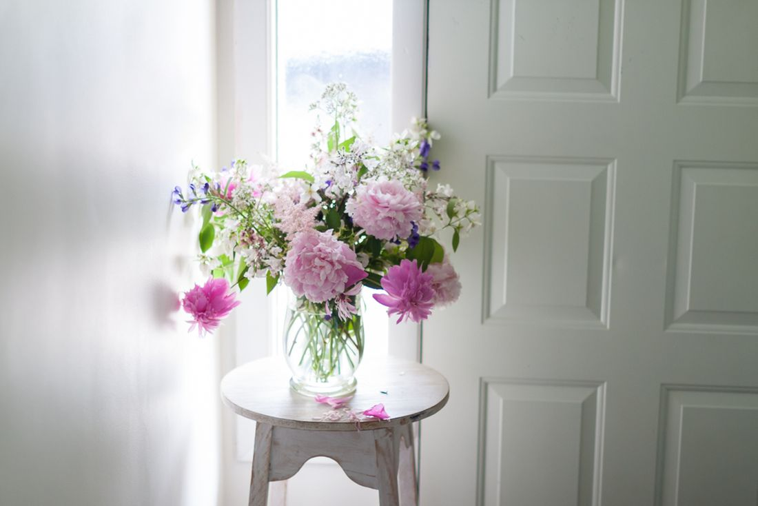 květiny ve váze_shutterstock_1068429164