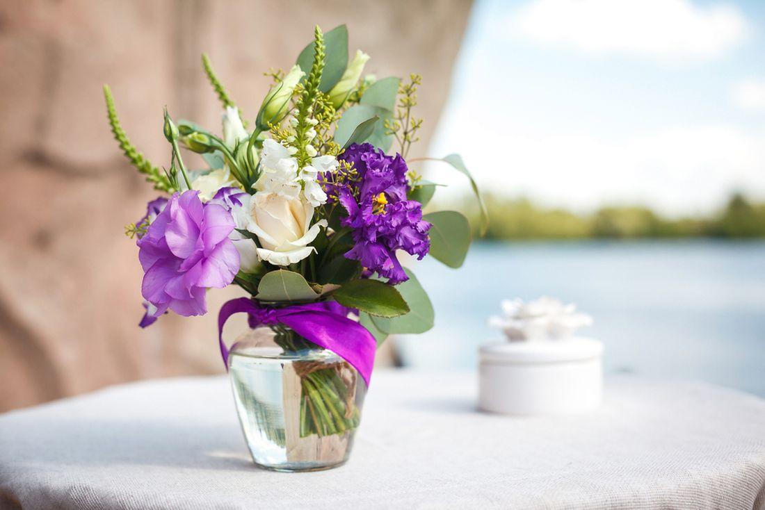 květiny ve váze_shutterstock_305811152