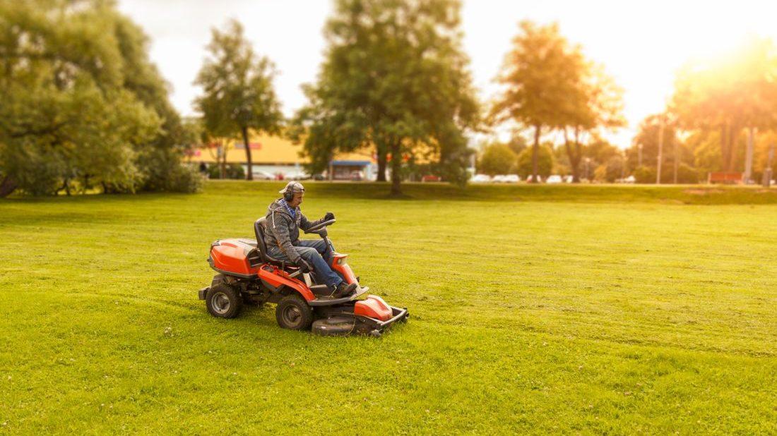 traktor-1100x618.jpg