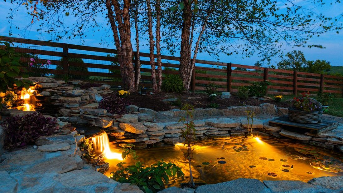 osvetleni-zahradniho-jezirka-1100x618.jpg