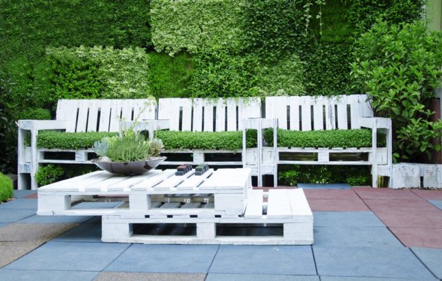 zahradni-nabytek-z-palet-645x410.jpg