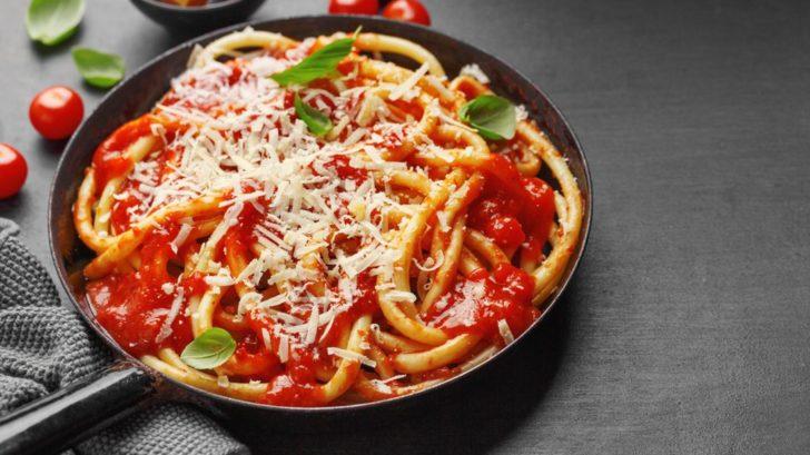 italskou-kuchyni-si-bez-rajcat-neumime-predstavit-728x409.jpg