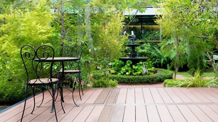 terasa-obklopena-svezi-zeleni-prinasi-dostatek-soukromi-i-stinu-728x409.jpg