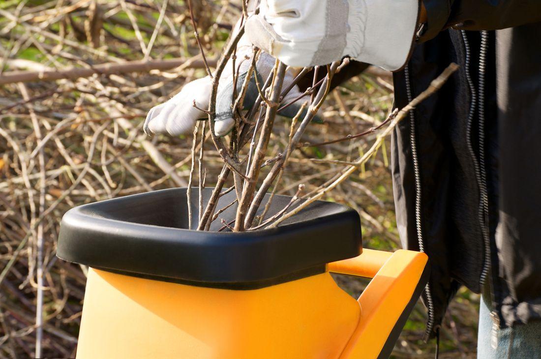 castym-zahradnim-odpadem-jsou-take-vetve-kterych-nejvice-zpracovavame-na-jare.jpg