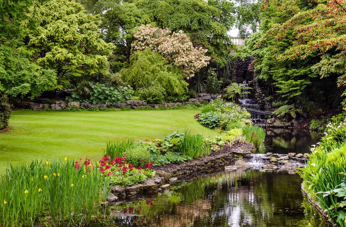 potok-v-rozlehle-zahrade-1.jpg