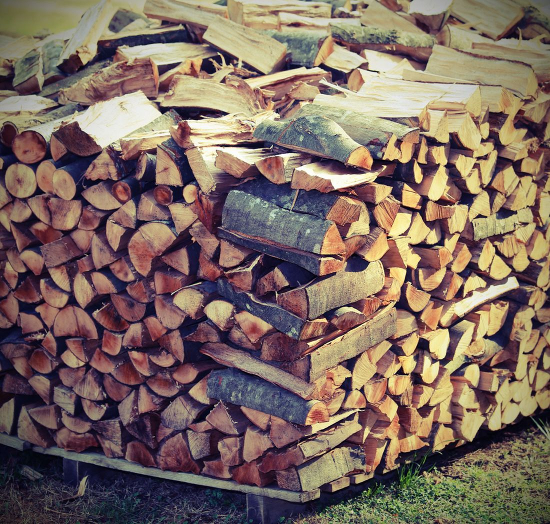 takto-srovnane-drevo-nejenze-bude-hure-prosychat-ale-take-bude-po-proschnuti-velmi-nestabilni.jpg