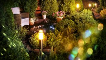 vydarene-osvetleni-zahrady-vytvori-tu-spravnou-atmosferu-352x198.jpg