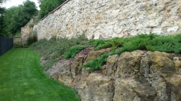 minimalisticka-zahrada-je-kompozicne-cista-a-neni-zahlcena-mnoha-prvky-352x198.jpg