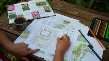 zahradu-je-treba-rozdelit-do-vice-kompozicnich-celku-ktere-se-lisi-tematickou-naplni-1-352x198.jpg