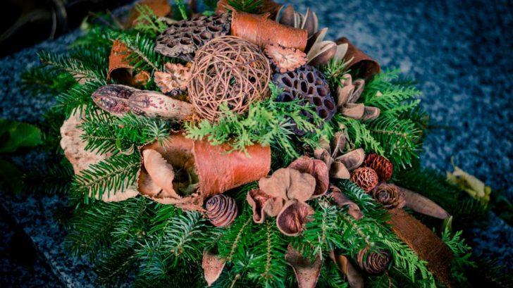 prirodni-kytice-z-chvoji-a-exotickych-susenych-plodu-728x409.jpg