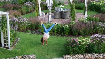 zahrada-je-mistem-setkavani-a-poznavani-zaroven-je-to-dobre-sportoviste.-352x198.jpg