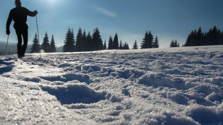 v-blizkosti-hamru-se-muzete-v-zime-vydat-po-14-km-dlouhe-bezkarske-trati-a-poznat-mistni-krajinu-728x409.jpg