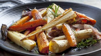 shutterstock_179033915_roasted-turnip-with-parsnips-and-carrots-352x198.jpg